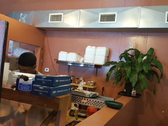 CeCi's Waffle And Chicken Interior